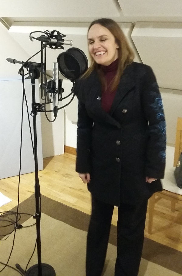 Edith Casey - recording vocals at Jennifer Clark's studio